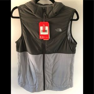 NWT The North Face Hooded Vest sz sm Gray